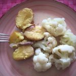 Blumenkohl mit Pellkartoffeln und Sahnsauce